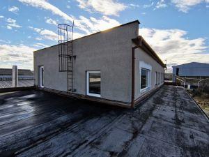 Budova 1 500 m² s pozemkem 2700m2  15