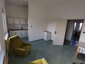 Budova 1 500 m² s pozemkem 2700m2  7