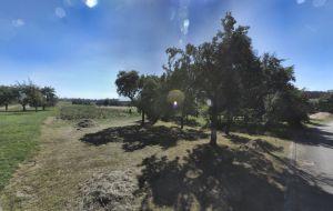 Prodej stavebního pozemku 869m2 v obci Suchý 2