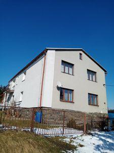 RD K PRODEJI. Dvougenerační - samostatně stojící/ 2 garáže. Užitná plocha 250 m², pozemek 2 390 m². 18