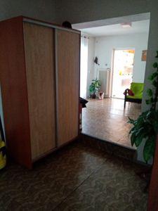 RD K PRODEJI. Dvougenerační - samostatně stojící/ 2 garáže. Užitná plocha 250 m², pozemek 2 390 m². 7