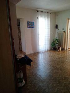 RD K PRODEJI. Dvougenerační - samostatně stojící/ 2 garáže. Užitná plocha 250 m², pozemek 2 390 m². 14